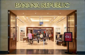 banana-republic-store-my_bank_tracker