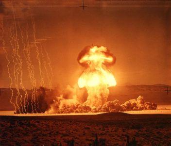 Grable-15_Kiloton-nuclear-explosion-pinterest
